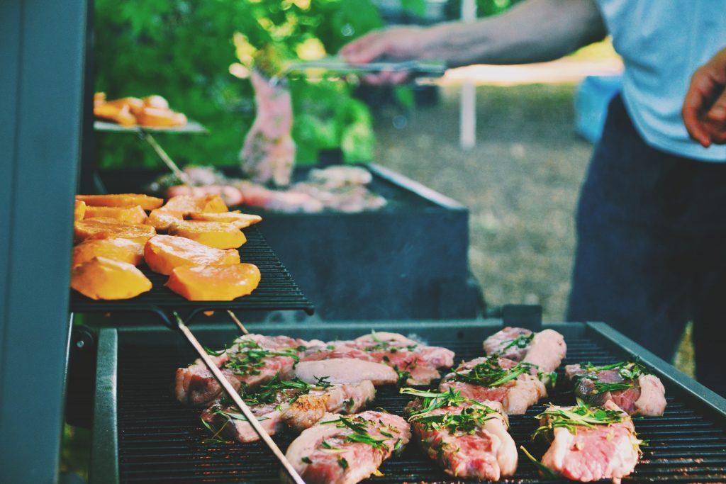 barbecueën in het park