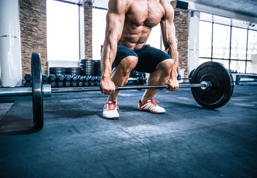 Sporter neemt supplement om ijzertekort te voorkomen